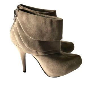 Rinaldi faux-suede heeled ankle-boots - size 8.5
